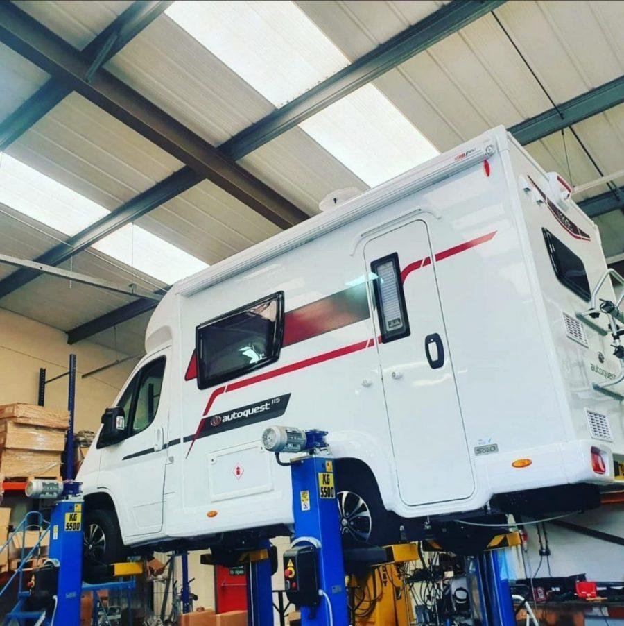 Hydraulic Service - 10 Year Warranty